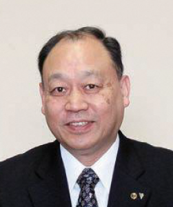 学校長 塚田 芳久